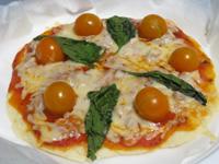 ダッチオーブンで作るピザ