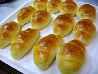 パン、バターロール